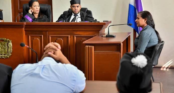 madre de Emely peguero declara en el tribunal